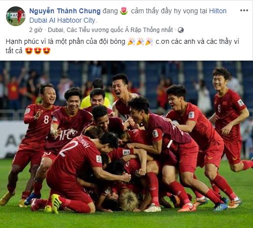 Hậu vệ Nguyễn Thành Chung vẫn chưa có cơ hội ra sân. Nhưng được tập luyện, thi đấu dưới màu áo đội tuyển Quốc gia vẫn là niềm hạnh phúc và tự hào của chàng trai sinh năm 1997.