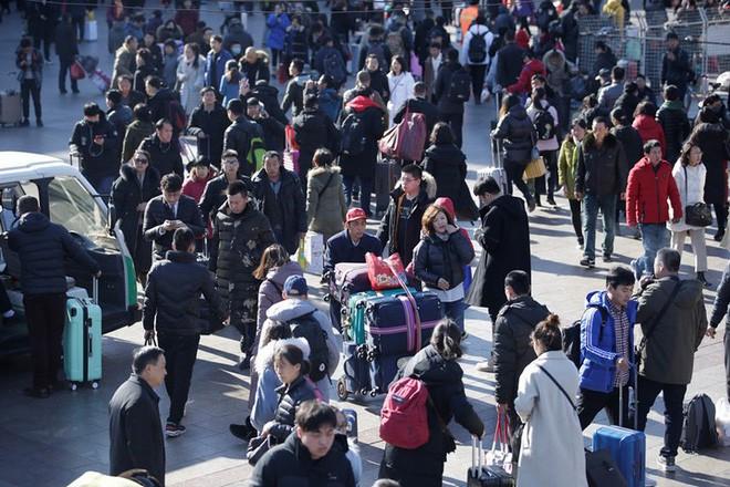 """Trung Quốc bắt đầu cuộc """"xuân vận"""": Ước tính có 3 tỷ chuyến đi trong vòng 40 ngày tới để về nhà ăn Tết - Ảnh 11."""