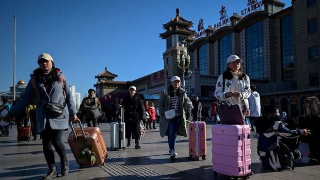 """Trung Quốc bắt đầu cuộc """"xuân vận"""": Ước tính có 3 tỷ chuyến đi trong vòng 40 ngày tới để về nhà ăn Tết - Ảnh 12."""