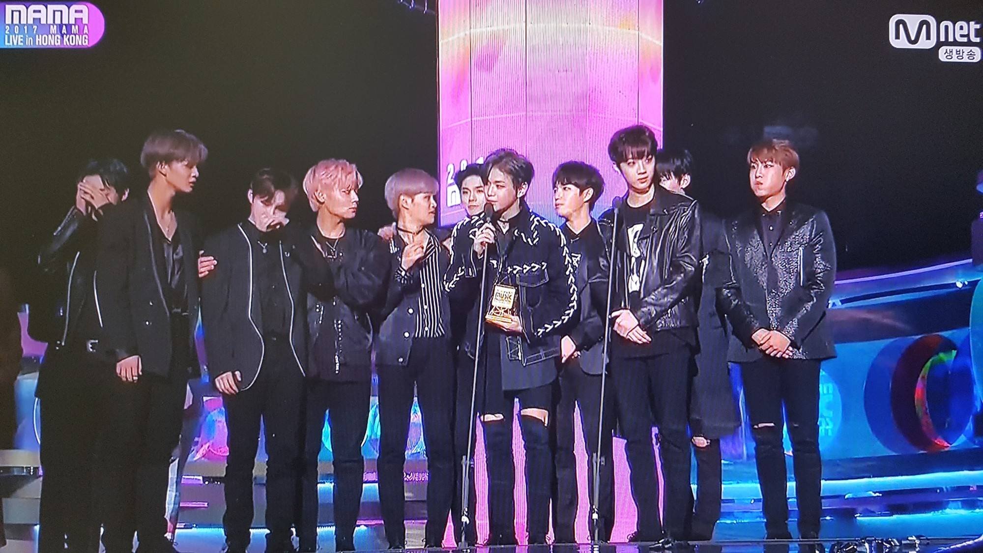 The Gashkin faces the coincidence of the Wanna One Awards over the last 18 months - Picture 3.