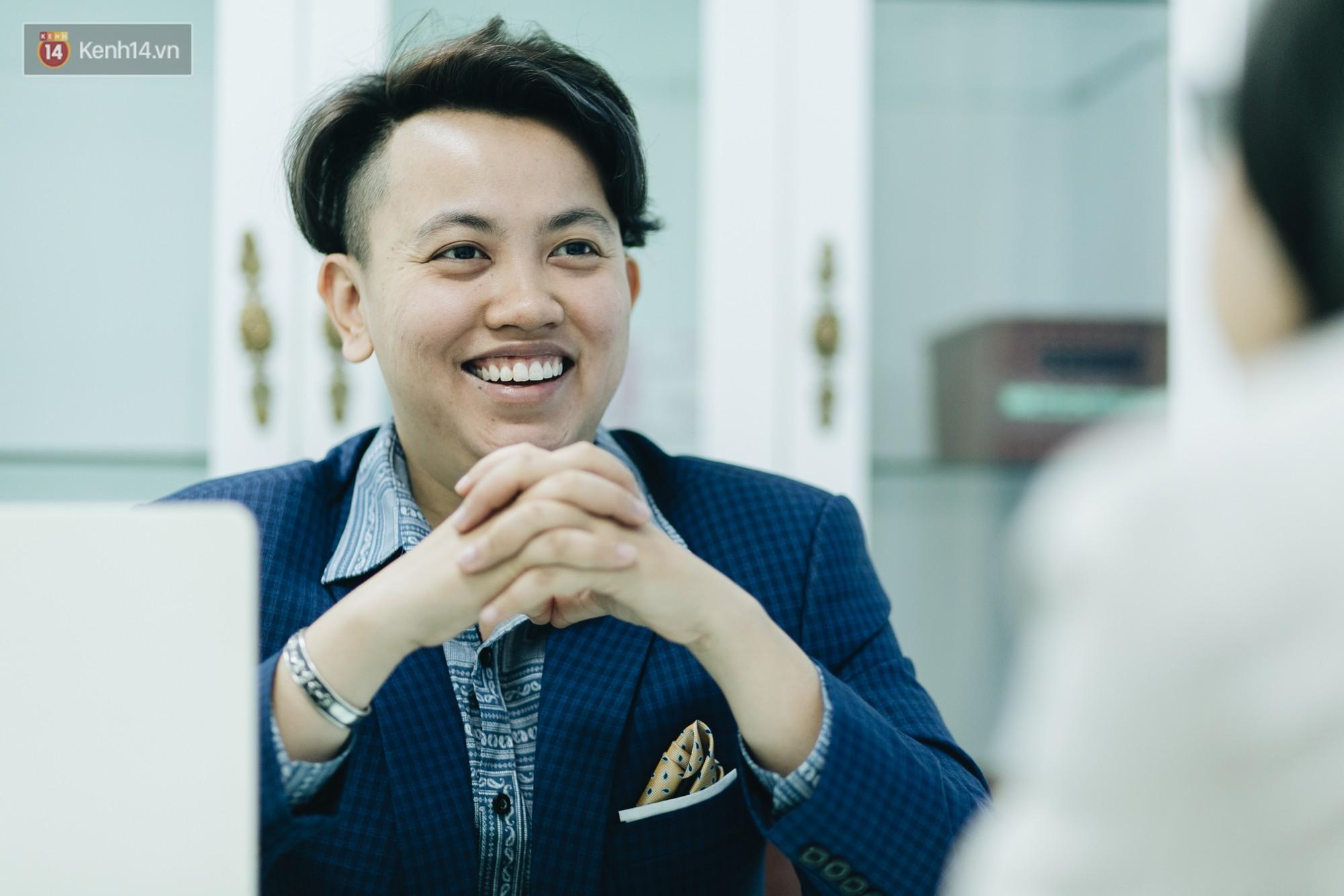 Gặp giám đốc trẻ sáng lập khoa tạo hình LGBT đầu tiên tại Hà Nội: Là người chuyển giới, mình hiểu được nỗi lo của cộng đồng khi đến bệnh viện - Ảnh 4.