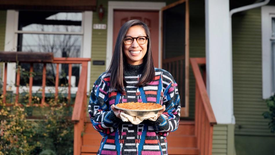 Nghỉ việc văn phòng 56 giờ/tuần, cô gái quyết tâm theo đuổi đam mê nấu nướng và tạo ra loạt bánh đẹp đến đau đầu - Ảnh 1.