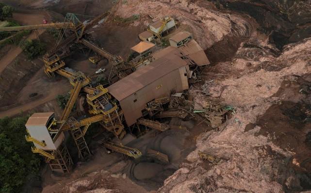 Ám ảnh hiện trường vỡ đập hồ chứa nước thải Brazil làm 200 người mất tích - Ảnh 3.
