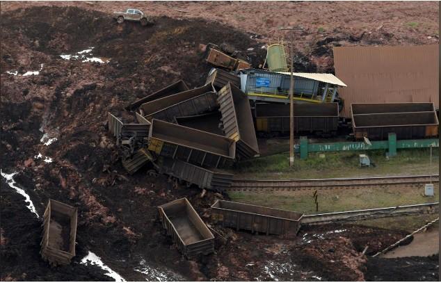 Ám ảnh hiện trường vỡ đập hồ chứa nước thải Brazil làm 200 người mất tích - Ảnh 4.