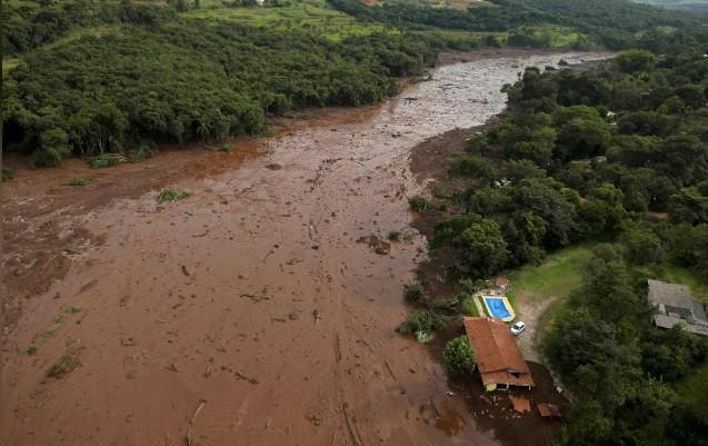 Ám ảnh hiện trường vỡ đập hồ chứa nước thải Brazil làm 200 người mất tích - Ảnh 6.