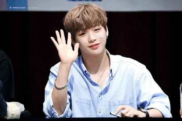 Ơn trời, Kang Daniel cuối cùng cũng xác nhận ngày debut solo sau tranh chấp với công ty quản lý rồi! - Ảnh 1.