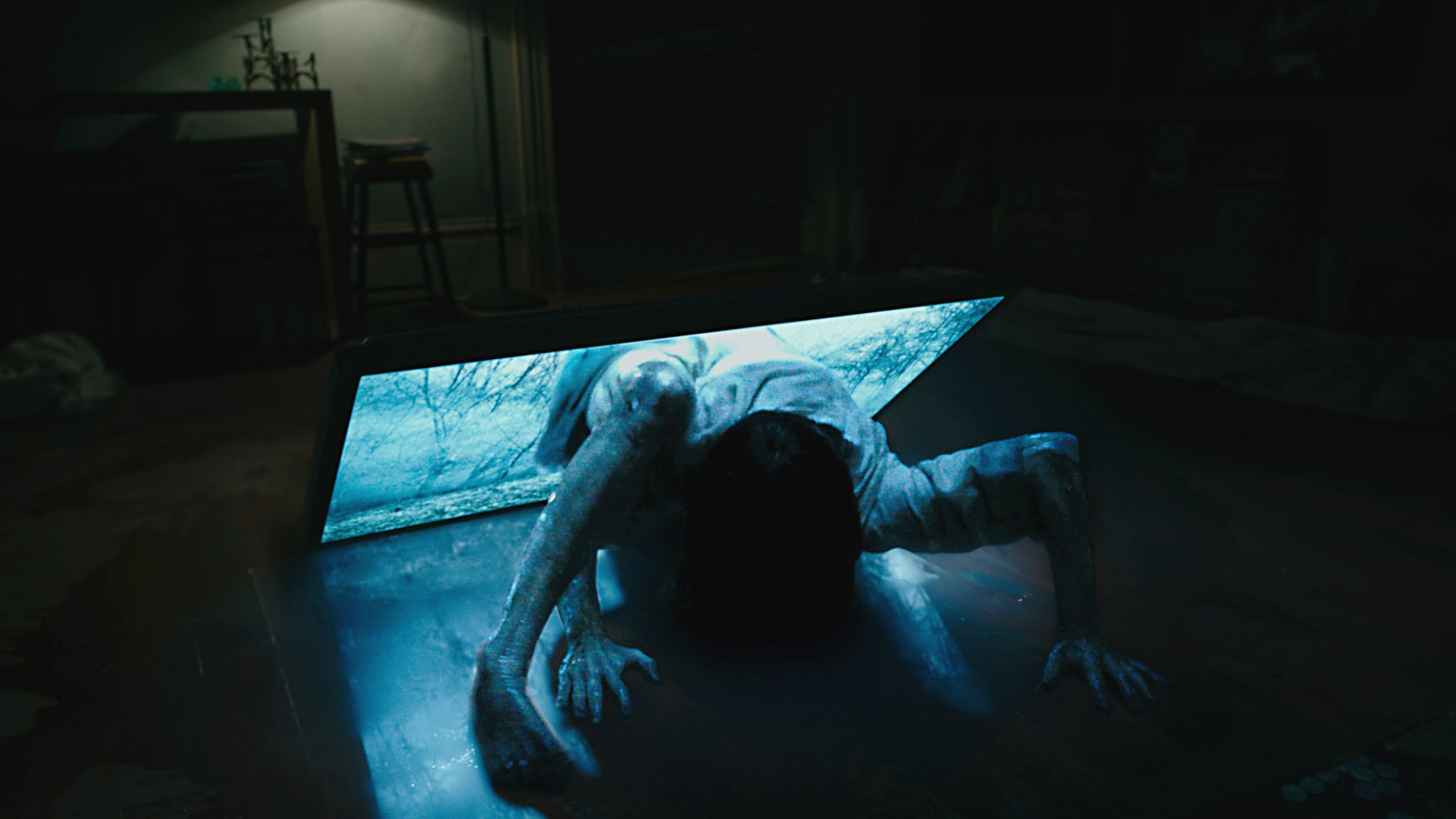 Thủ ngay bí kíp thoát chết trong phim kinh dị qua 7 hành động thiếu muối của các nhân vật chính - Ảnh 3.
