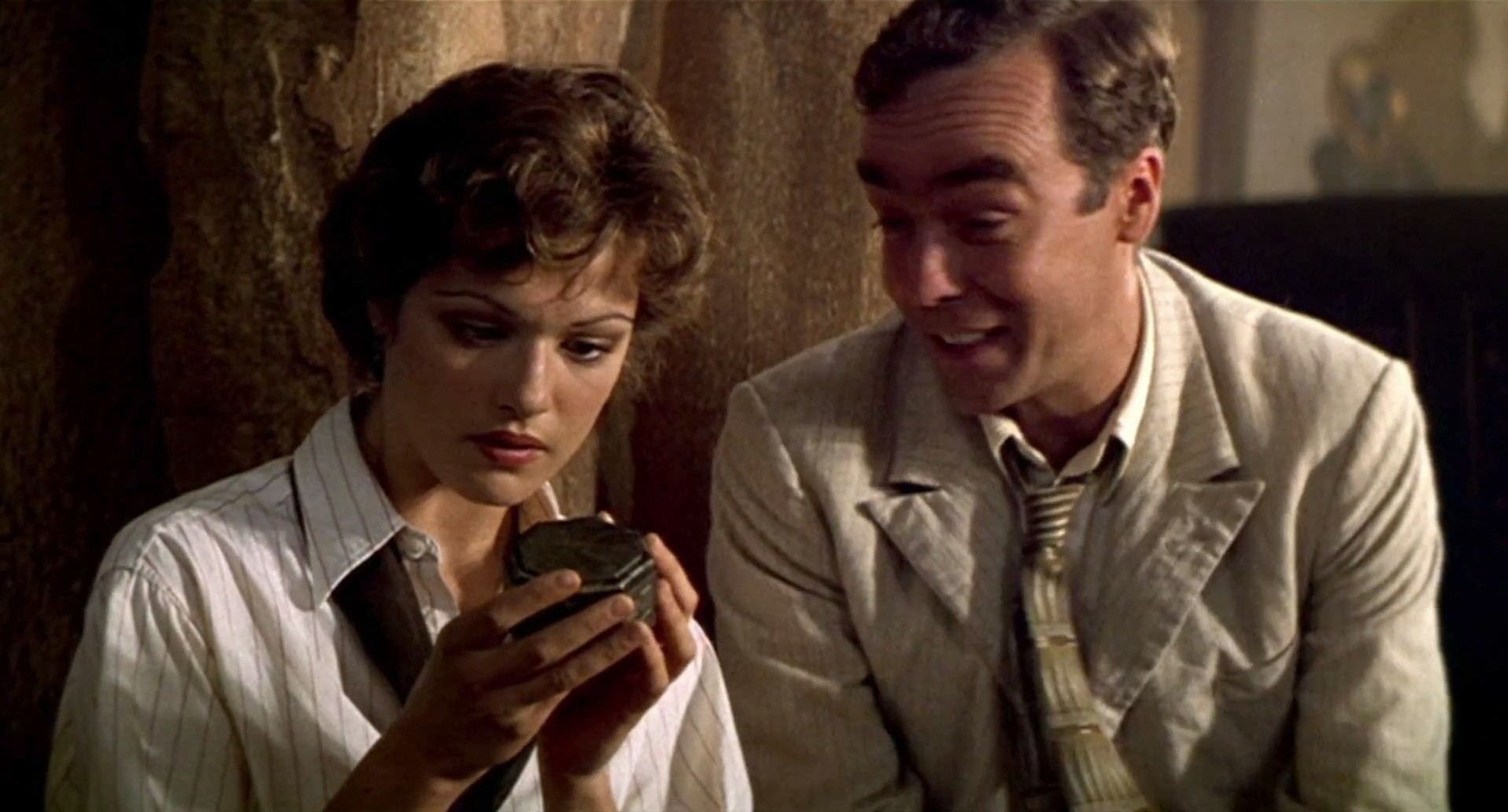 Thủ ngay bí kíp thoát chết trong phim kinh dị qua 7 hành động thiếu muối của các nhân vật chính - Ảnh 4.