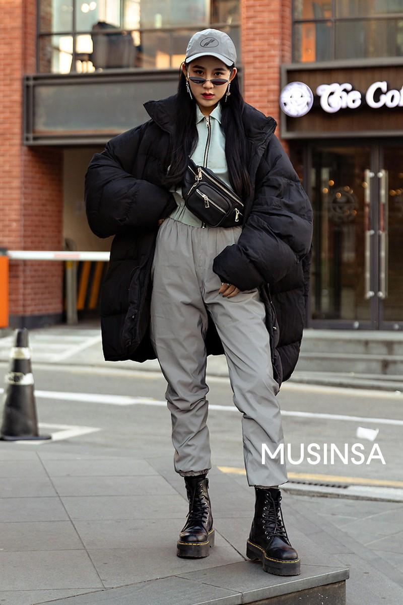 Street style giới trẻ Hàn tuần qua chính là nguồn cảm hứng bất tận cho các cô nàng anti phong cách bánh bèo - Ảnh 8.