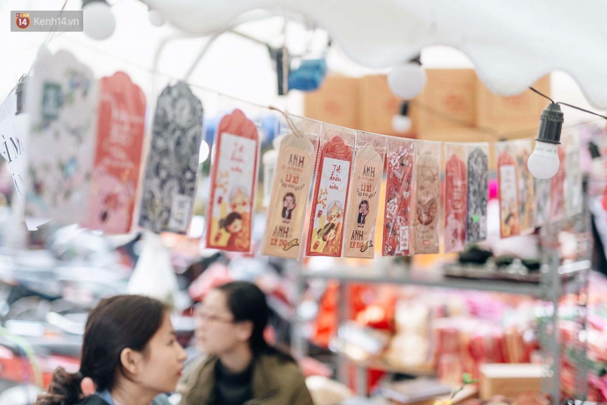 Rộn ràng không khí Tết tại chợ hoa Hàng Lược - phiên chợ truyền thống lâu đời nhất ở Hà Nội - Ảnh 7.