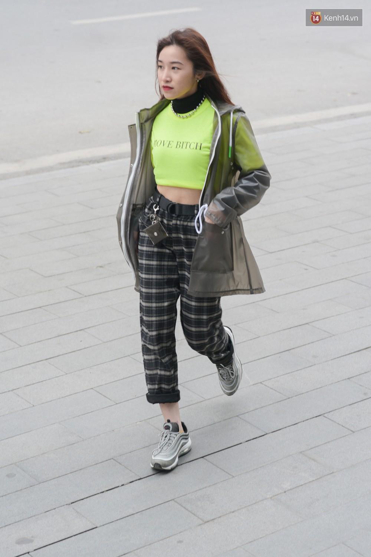 Giới trẻ Việt lên đồ với đủ phong cách đa dạng dịp cuối năm, set nào cũng trendy hết cỡ - Ảnh 5.