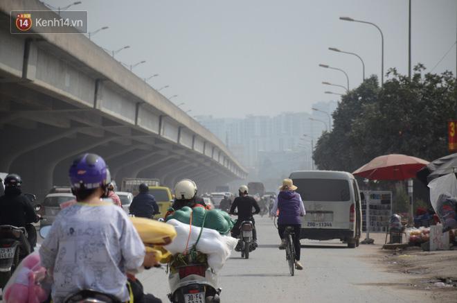 Không khí thành phố Hà Nội chạm mức nguy hại, chuyên gia lên tiếng lý giải nguyên nhân - Ảnh 3.