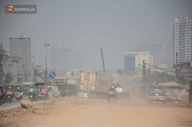Không khí thành phố Hà Nội chạm mức nguy hại, chuyên gia lên tiếng lý giải nguyên nhân - Ảnh 2.