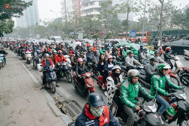 Không khí thành phố Hà Nội chạm mức nguy hại, chuyên gia lên tiếng lý giải nguyên nhân - Ảnh 6.
