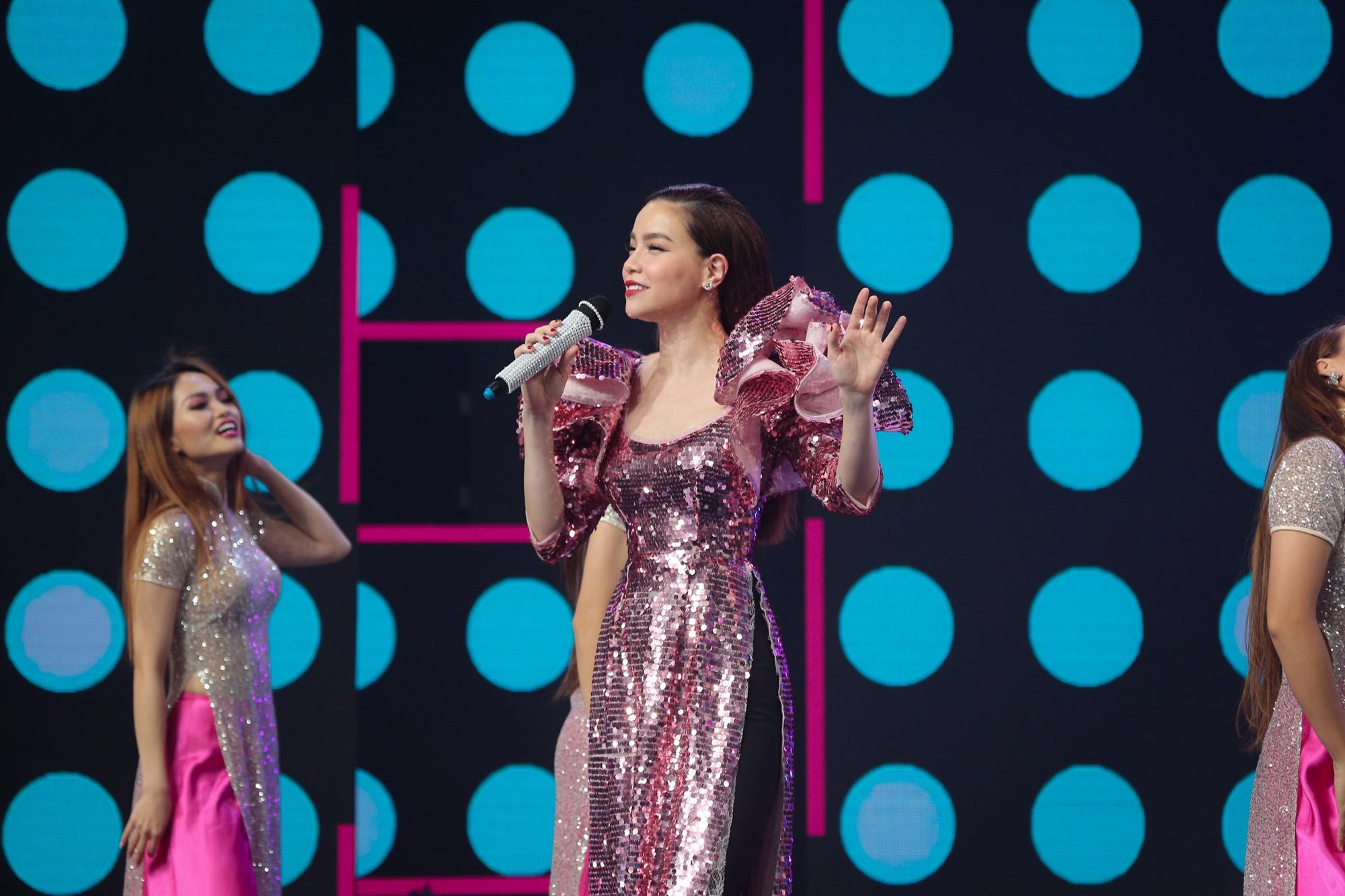 Hồ Ngọc Hà, Noo Phước Thịnh cùng hơn 30 nghệ sĩ Vpop đồng loạt quy tụ trong chương trình nhạc Xuân rộn ràng - Ảnh 3.