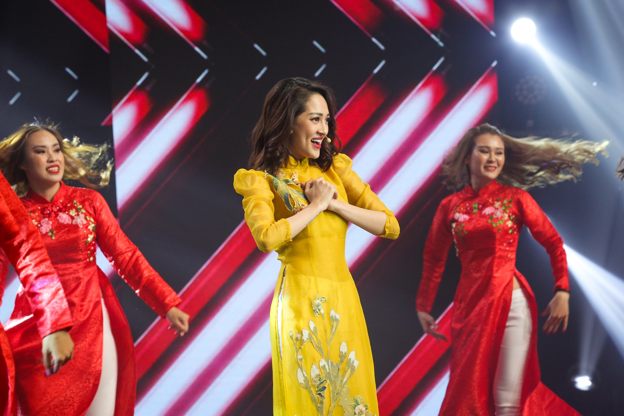 Hồ Ngọc Hà, Noo Phước Thịnh cùng hơn 30 nghệ sĩ Vpop đồng loạt quy tụ trong chương trình nhạc Xuân rộn ràng - Ảnh 7.