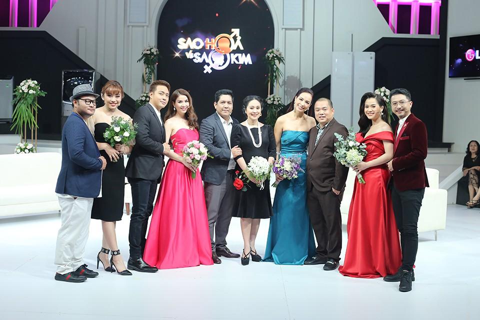 Dù bầu vượt mặt, Thanh Thúy bất ngờ cầu hôn Đức Thịnh trên sóng truyền hình - Ảnh 1.
