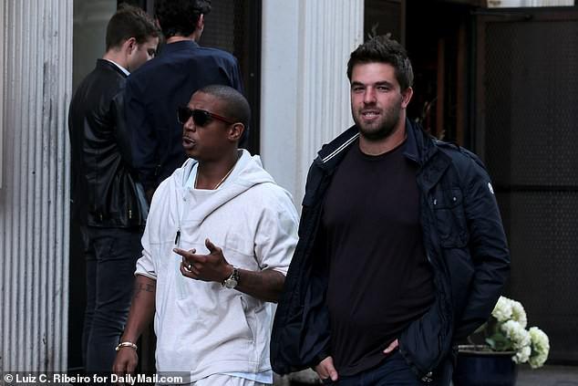 Kendall Jenner, Bella Hadid, vợ Justin Bieber cùng loạt người mẫu phải hầu tòa vì dính phốt siêu lớn - Ảnh 5.