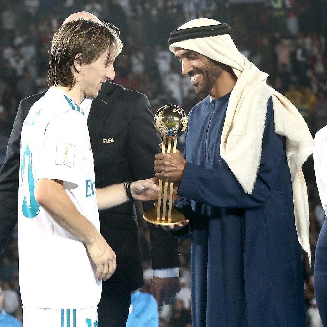 Hoàng tử UAE mua sạch vé, không cho dân Qatar vào xem bán kết Asian Cup quyền lực đến mức nào? - Ảnh 6.
