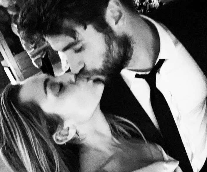 Marriage is an important thing in life, especially Liam and Miley married just because ... improvisation - Photo 2.