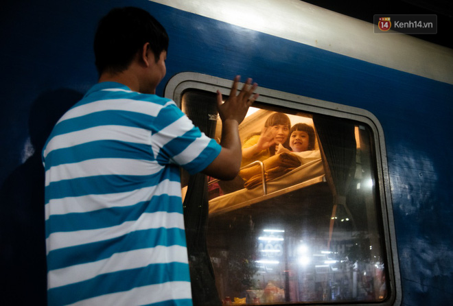 Smiles at Saigon station on Tet feast: return after more than 19 years and three places of origin - Photo 6.
