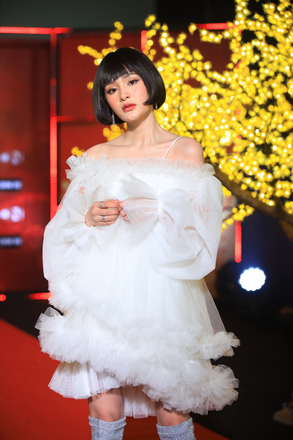 Bao Anh in combination with the old love Ho Quang Hiu, Chi Pu appeared sexy in the New Year's program - Photo 8.