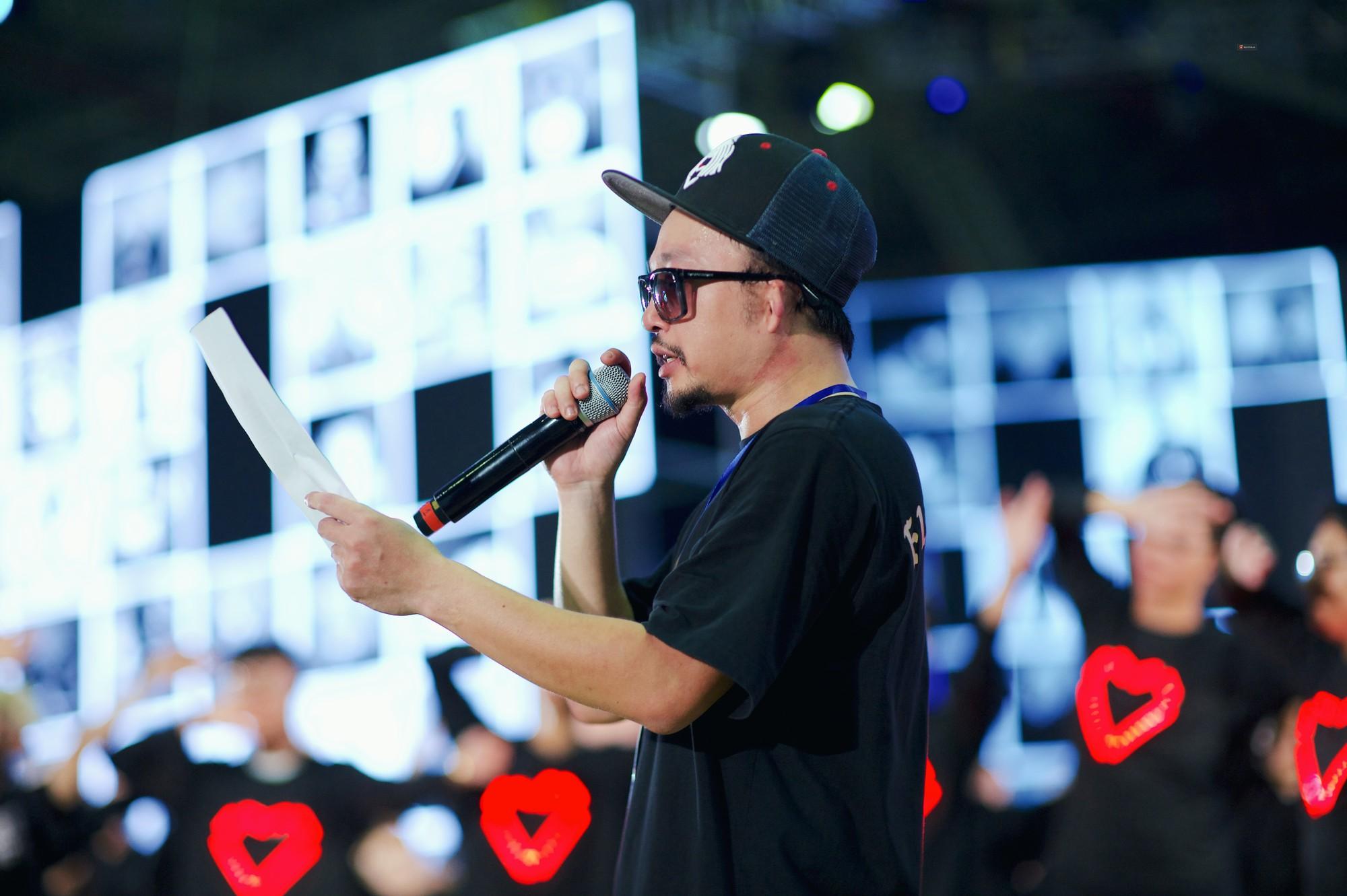 Nghệ sĩ Việt bồi hồi cảm xúc trước đêm Gala Wechoice Awards: Người háo hức từng giờ, người từng bật khóc - Ảnh 6.