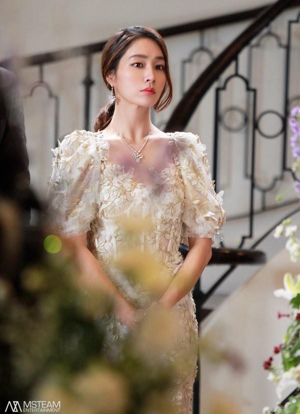 5 sao nam Hàn chẳng đẹp trai nhưng cưa đổ mỹ nhân đẹp xuất chúng: Hầu hết đều siêu giàu, trừ trường hợp cuối - Ảnh 19.