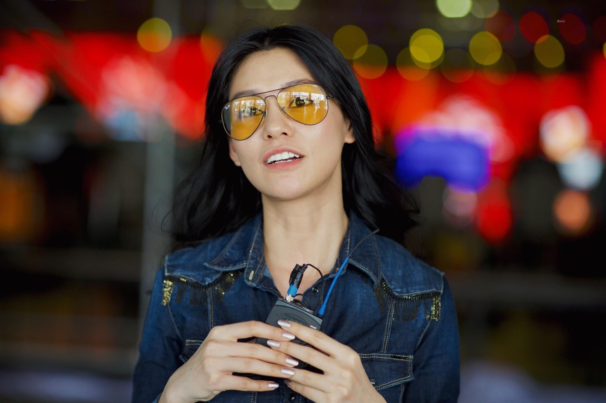 Bích Phương bất ngờ cool ngầu, trái ngược với Hiền Hồ sexy nữ tính trong buổi tổng duyệt WeChoice Awards 2018 - Ảnh 4.