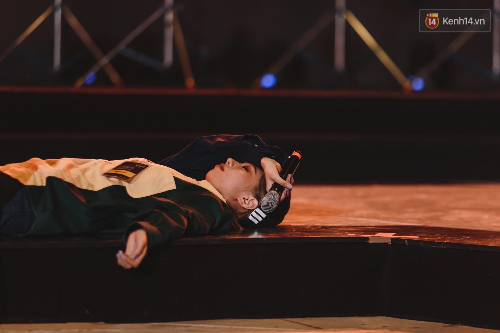Tổng duyệt Gala WeChoice Awards 2018: Min nằm lăn ra sàn, hiện tượng Hongkong1 và Cô gái m52 lần đầu kết hợp - Ảnh 1.