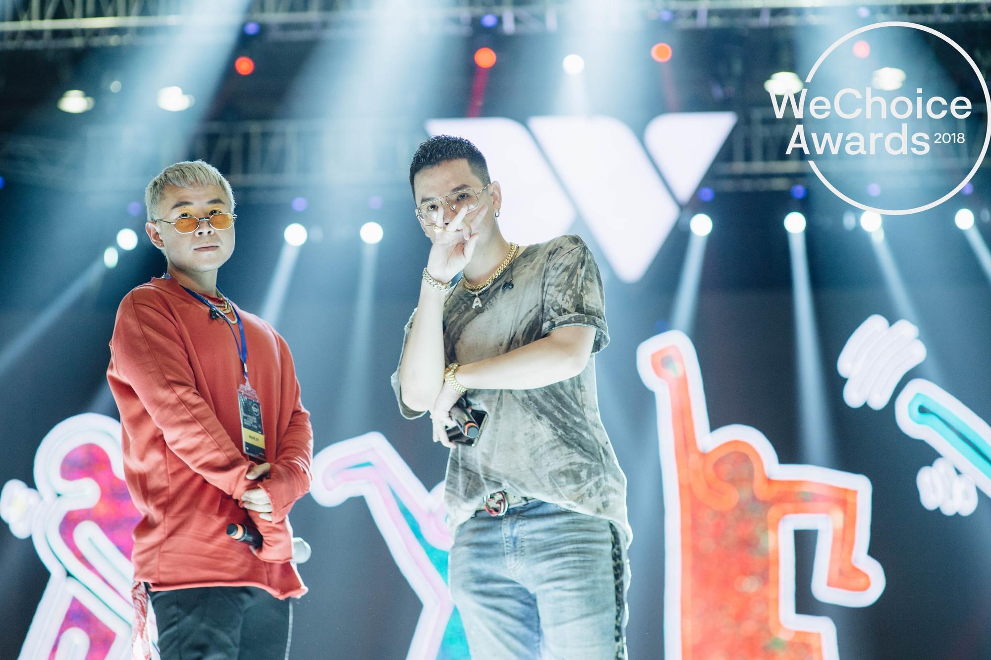 Trước giờ G, ngắm loạt khoảnh khắc đầy cảm xúc của dàn nghệ sĩ tại buổi tổng duyệt Gala Wechoice Awards 2018 - Ảnh 7.