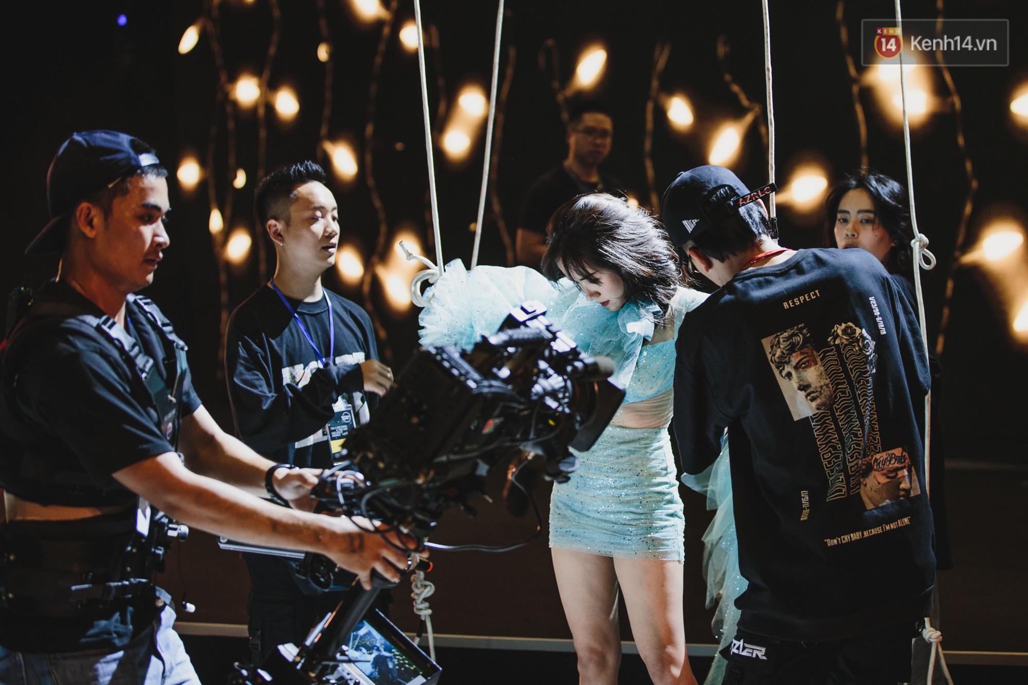 BinZ, Andree, Kimmese xuất hiện cực ngầu, cùng dàn nghệ sĩ tổng duyệt lần cuối sát giờ G Gala WeChoice - Ảnh 7.