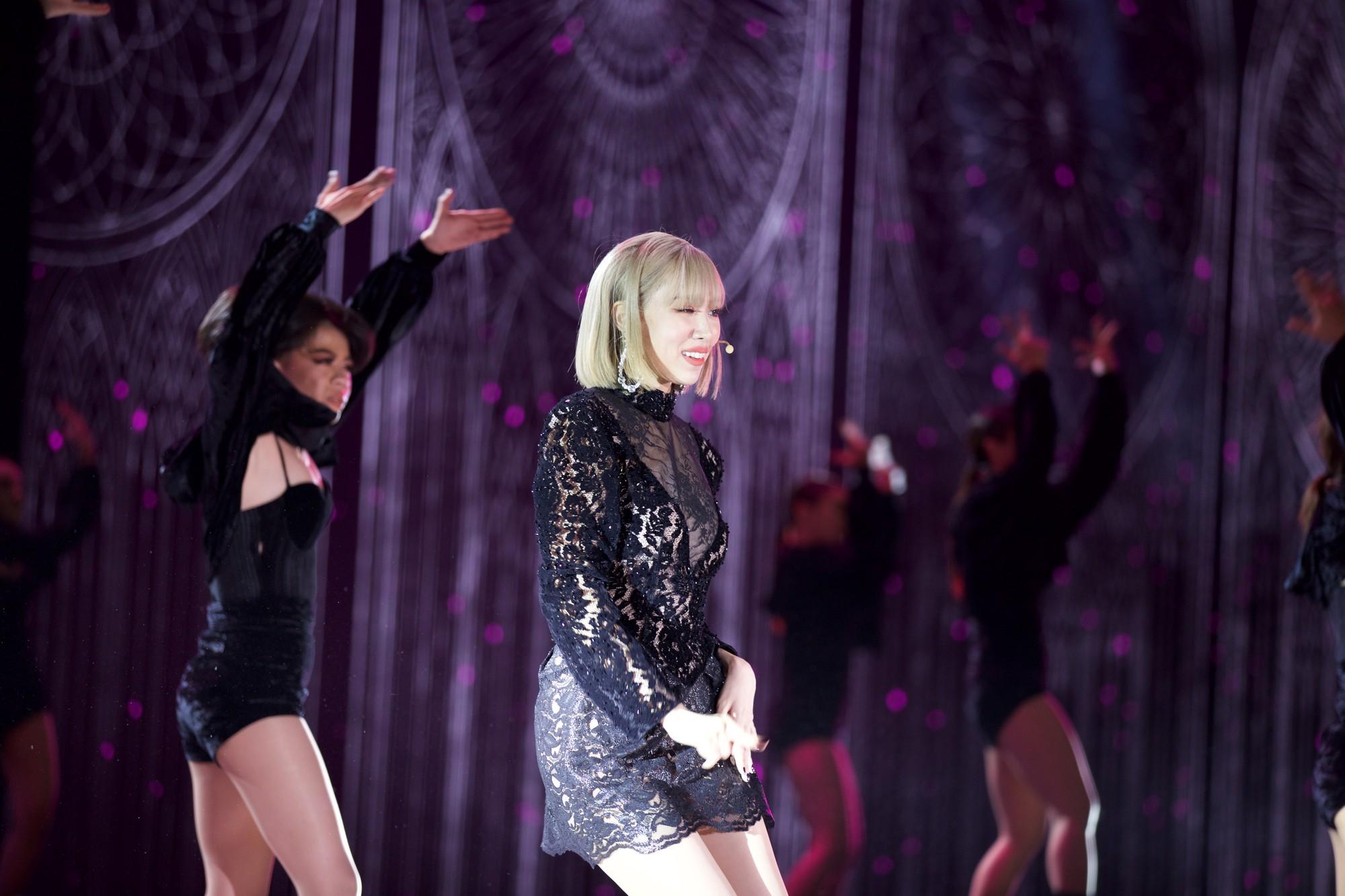Clip: Tất tần tật các sân khấu đã tai mãn nhãn trong đêm Gala WeChoice Awards 2018 - Ảnh 5.
