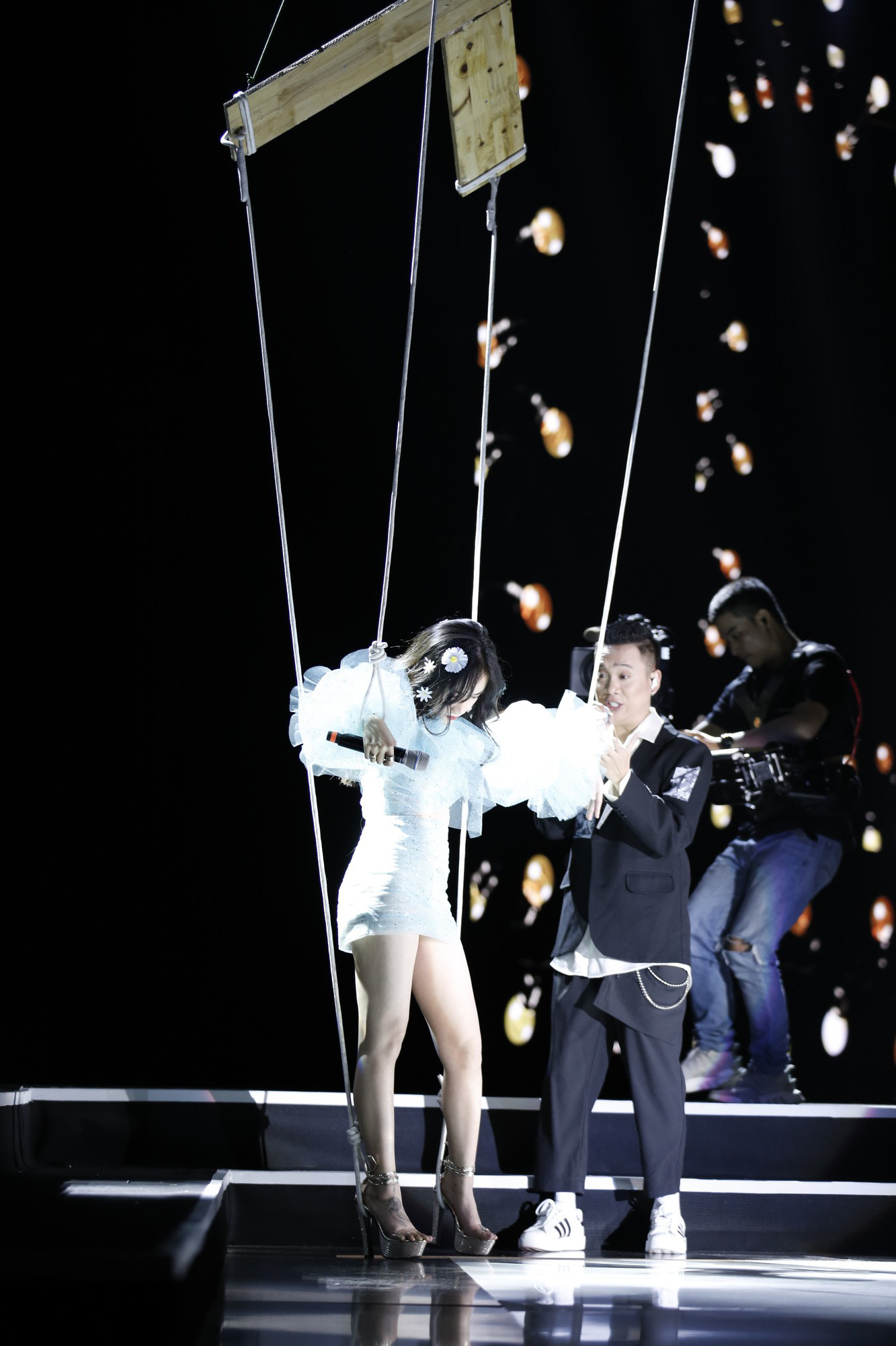 Clip: Tất tần tật các sân khấu đã tai mãn nhãn trong đêm Gala WeChoice Awards 2018 - Ảnh 14.