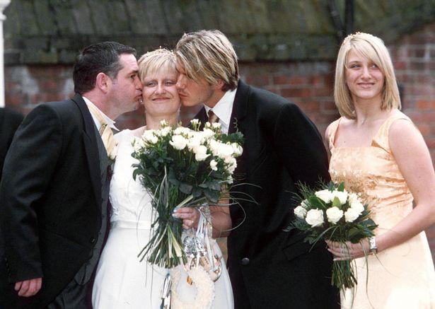 Trong khi Beckham tiệc tùng xa xỉ, chị gái của anh nghèo tới mức thanh lý đồ cũ trên mạng để kiếm sống - Ảnh 1.