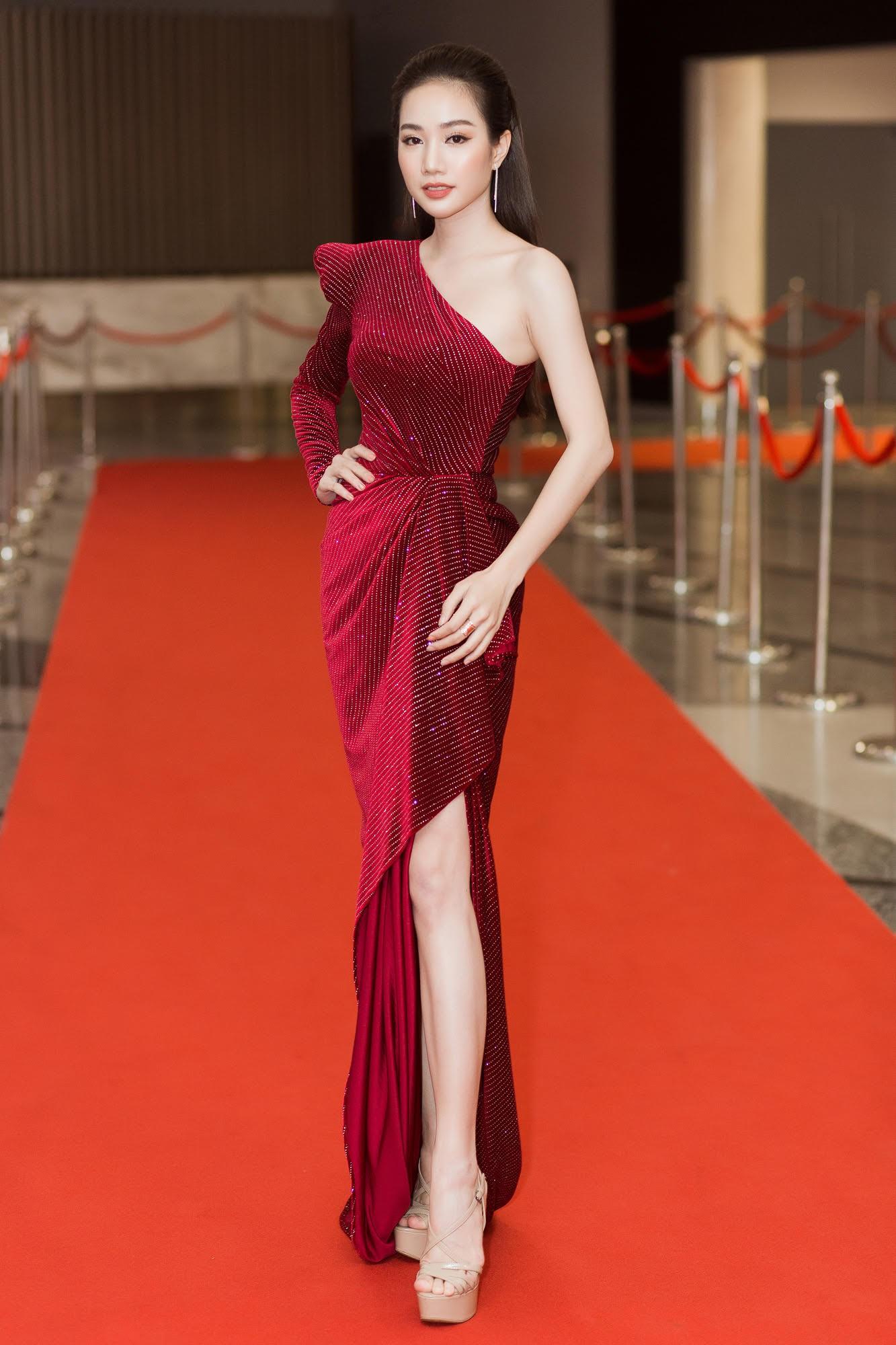 Màn đọ sắc cực gắt của dàn Hoa hậu đình đám nhất Vbiz trên thảm đỏ WeChoice: Sang chảnh và đỉnh cao là đây! - Ảnh 24.