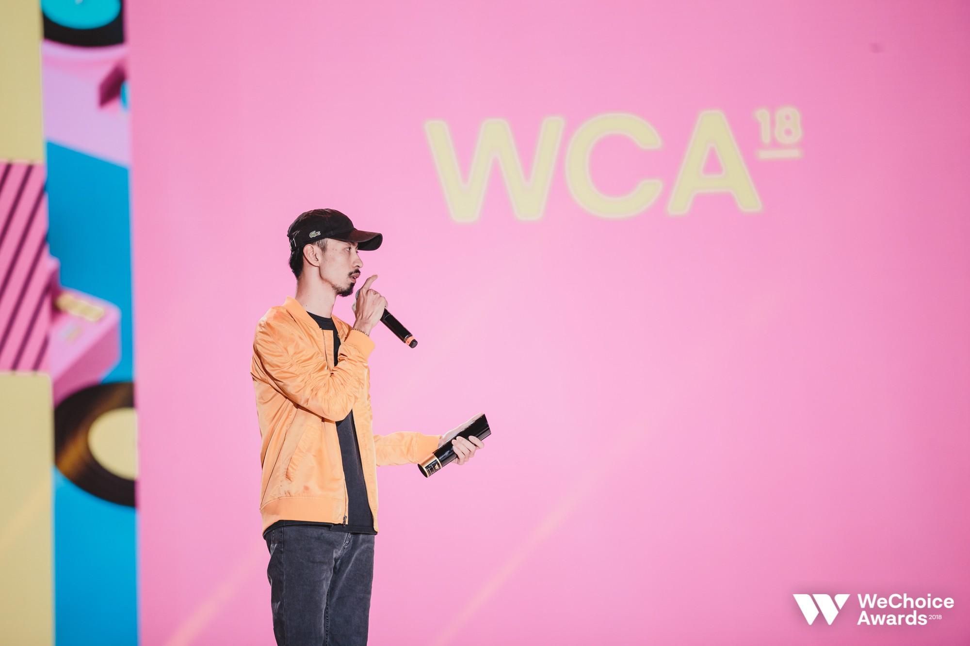 Đen thắng lớn tại WeChoice Awards 2018, phát biểu gây xúc động: Cuối cùng hàng xóm cũng biết tôi đang làm gì - Ảnh 2.