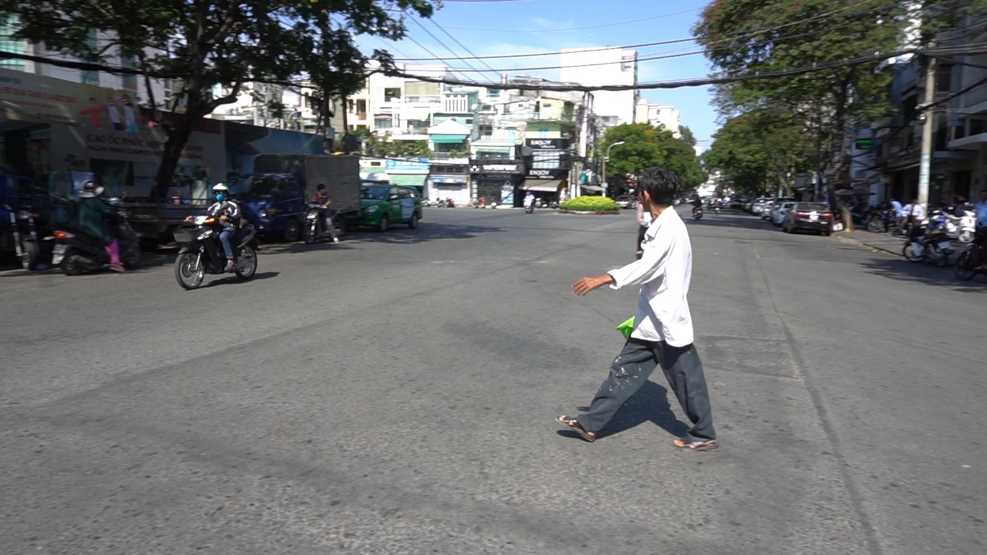Tè bậy bên đường, người đàn ông bị đâm chết ở Sài Gòn - Ảnh 1.