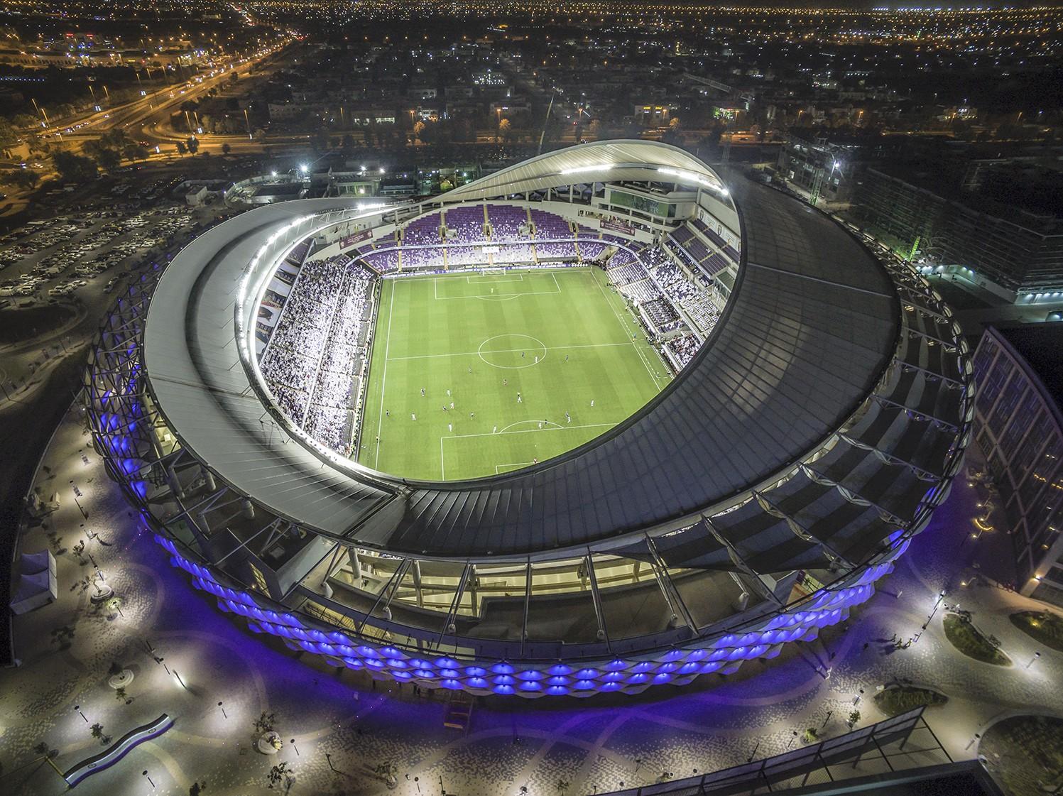 Công Phượng, Văn Hậu cười tít mắt trên sân đấu đẹp như mơ tại UAE - Ảnh 1.