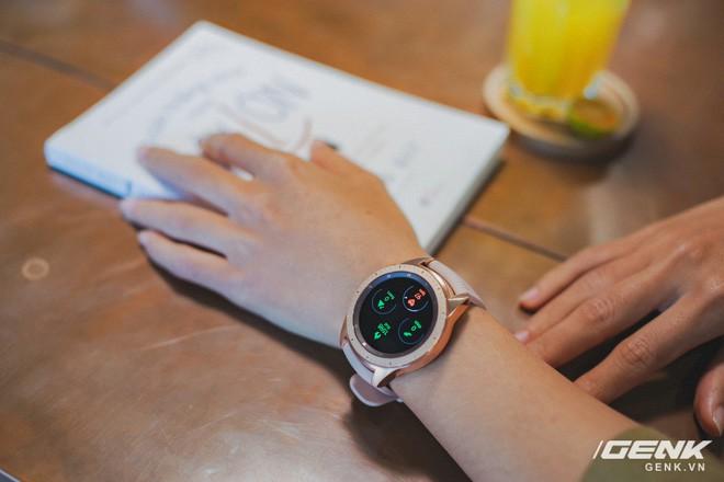 Cận cảnh Samsung Galaxy Watch chính thức tại Việt Nam: Kiểu dáng thanh lịch, màu sắc thời trang giá 7 triệu đồng - Ảnh 14.
