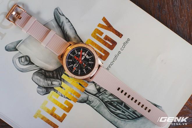 Cận cảnh Samsung Galaxy Watch chính thức tại Việt Nam: Kiểu dáng thanh lịch, màu sắc thời trang giá 7 triệu đồng - Ảnh 15.