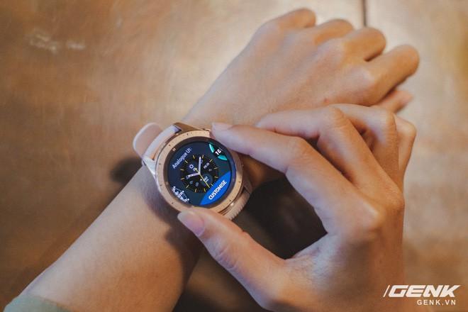 Cận cảnh Samsung Galaxy Watch chính thức tại Việt Nam: Kiểu dáng thanh lịch, màu sắc thời trang giá 7 triệu đồng - Ảnh 18.