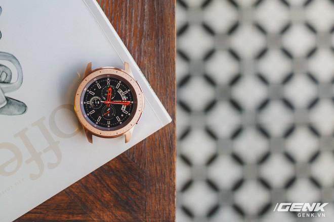 Cận cảnh Samsung Galaxy Watch chính thức tại Việt Nam: Kiểu dáng thanh lịch, màu sắc thời trang giá 7 triệu đồng - Ảnh 19.