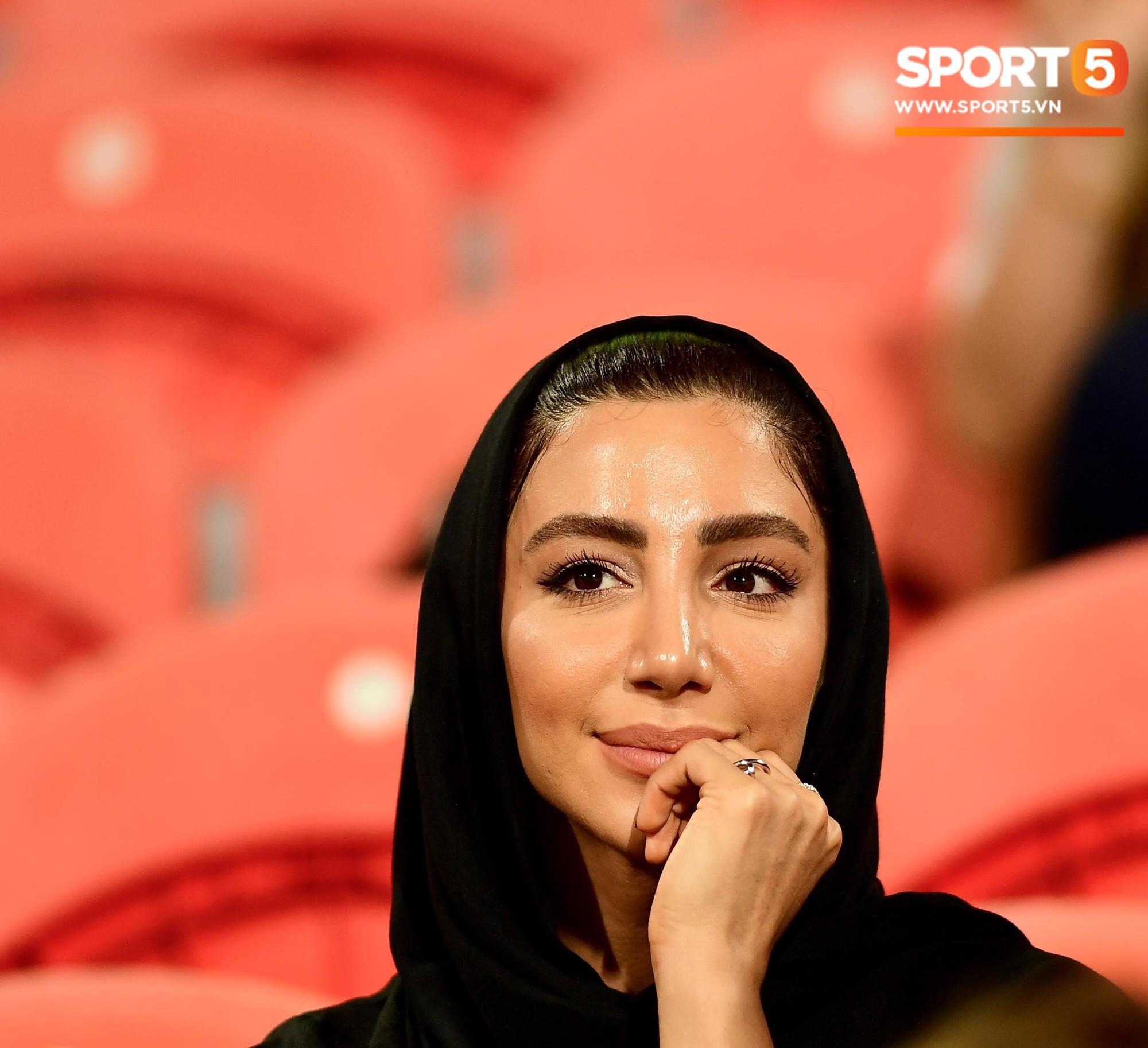 Ngất ngây với vẻ đẹp của fangirl Iran trong ngày đội nhà giành chiến thắng đậm trước Yemen - Ảnh 9.
