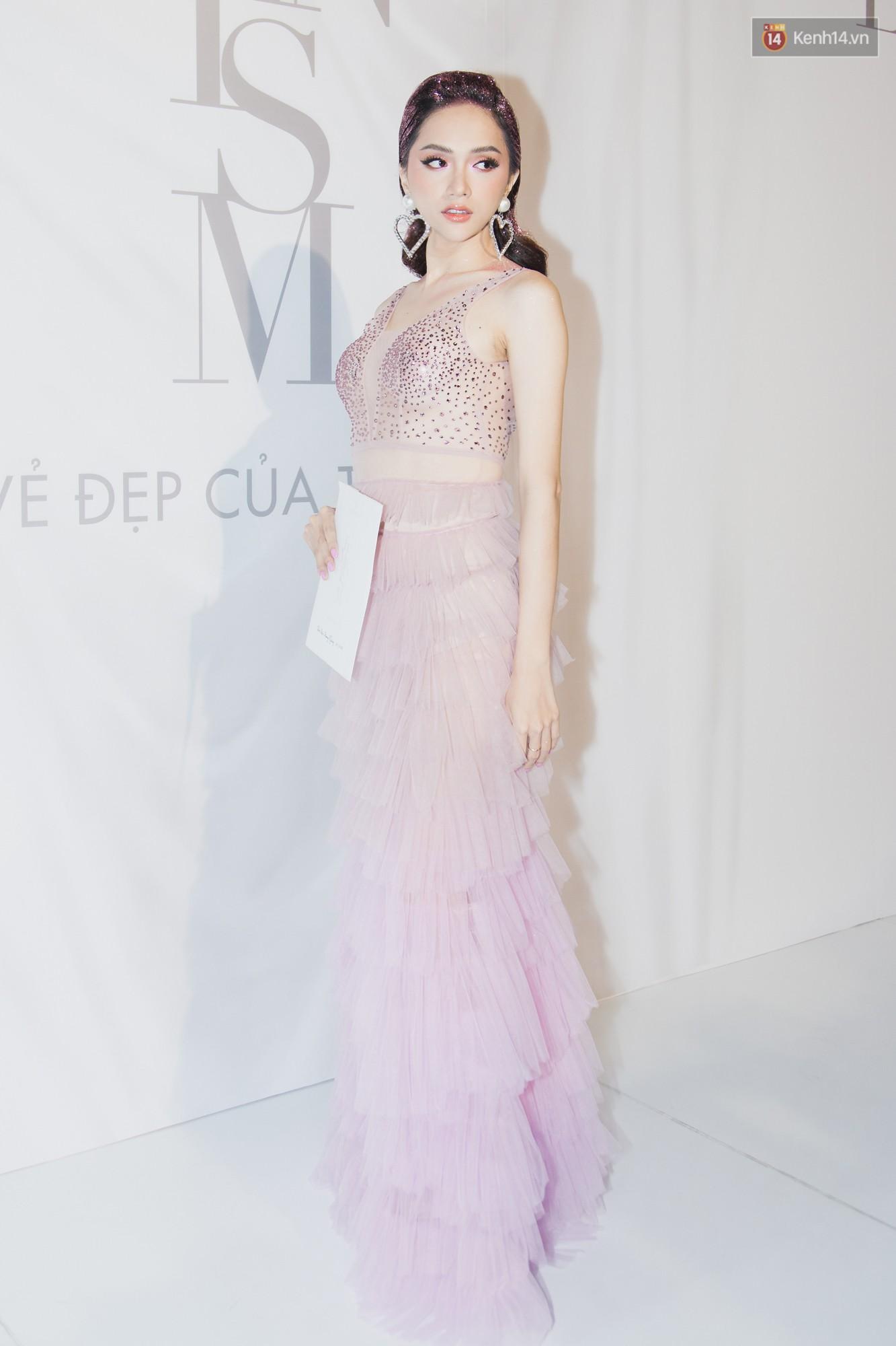 Spotlight thảm đỏ của NTK Lý Quí Khánh: Khi Hòa Minzy trông còn Hoa hậu hơn cả Hoa hậu Tiểu Vy - Ảnh 12.