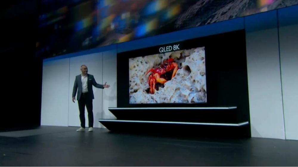 TV 8K Samsung khủng nhất hành tinh: Rộng 98 inch, độ nét cao hơn tất cả mọi thứ trên thế giới - Ảnh 2.