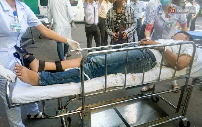 Nóng: Xe khách chở 21 sinh viên lao xuống đèo Hải Vân, 1 người tử vong - Ảnh 11.