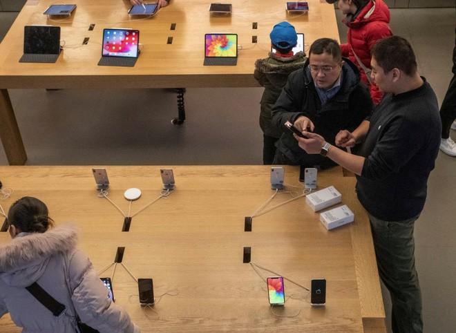 Lời tự thuật hài hước từ chuyên gia: Thật ra iPhone bán ế là do mẹ tôi cả đó! - Ảnh 2.