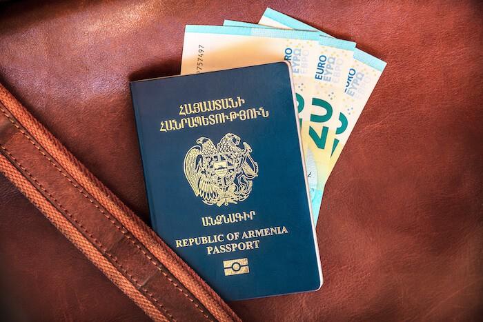 Góc khuất đằng sau những cuốn hộ chiếu đầy quyền lực: Mọi thứ đều được giải quyết bằng tiền - Ảnh 5.