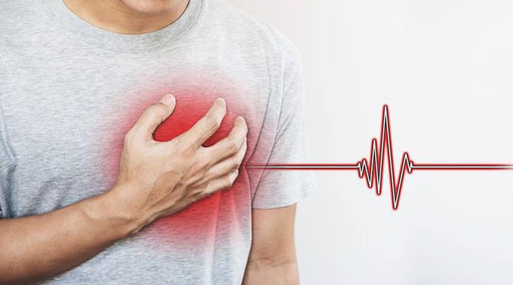 Người mắc bệnh mỡ máu cao thường có nguy cơ gặp phải những vấn đề sức khỏe gì? - Ảnh 3.